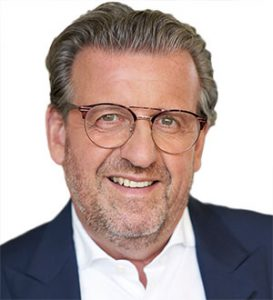 Dr. Stefan Wolf