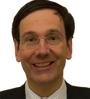 Dr. Levin Holle