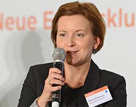 Kathrin Dietrich-Pfaffenbach, Conference Director, Banken, Euroforum