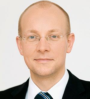 Dr. Cornelius Riese