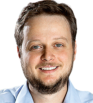 Dr. Daniel Schneider