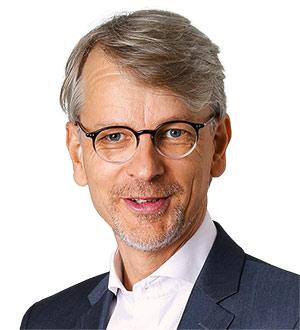 Dr Ole Langniß