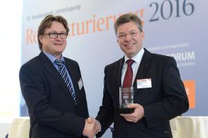 1. Handelsblatt Auszeichnung Restrukturierung verliehen