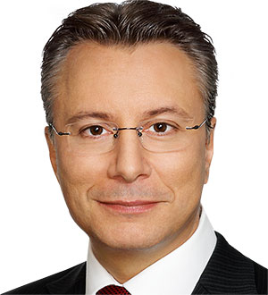 Dr. Stefan Sax