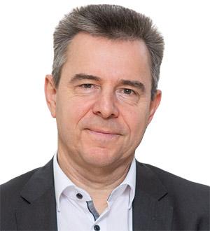 Dr. Uwe Gackstatter